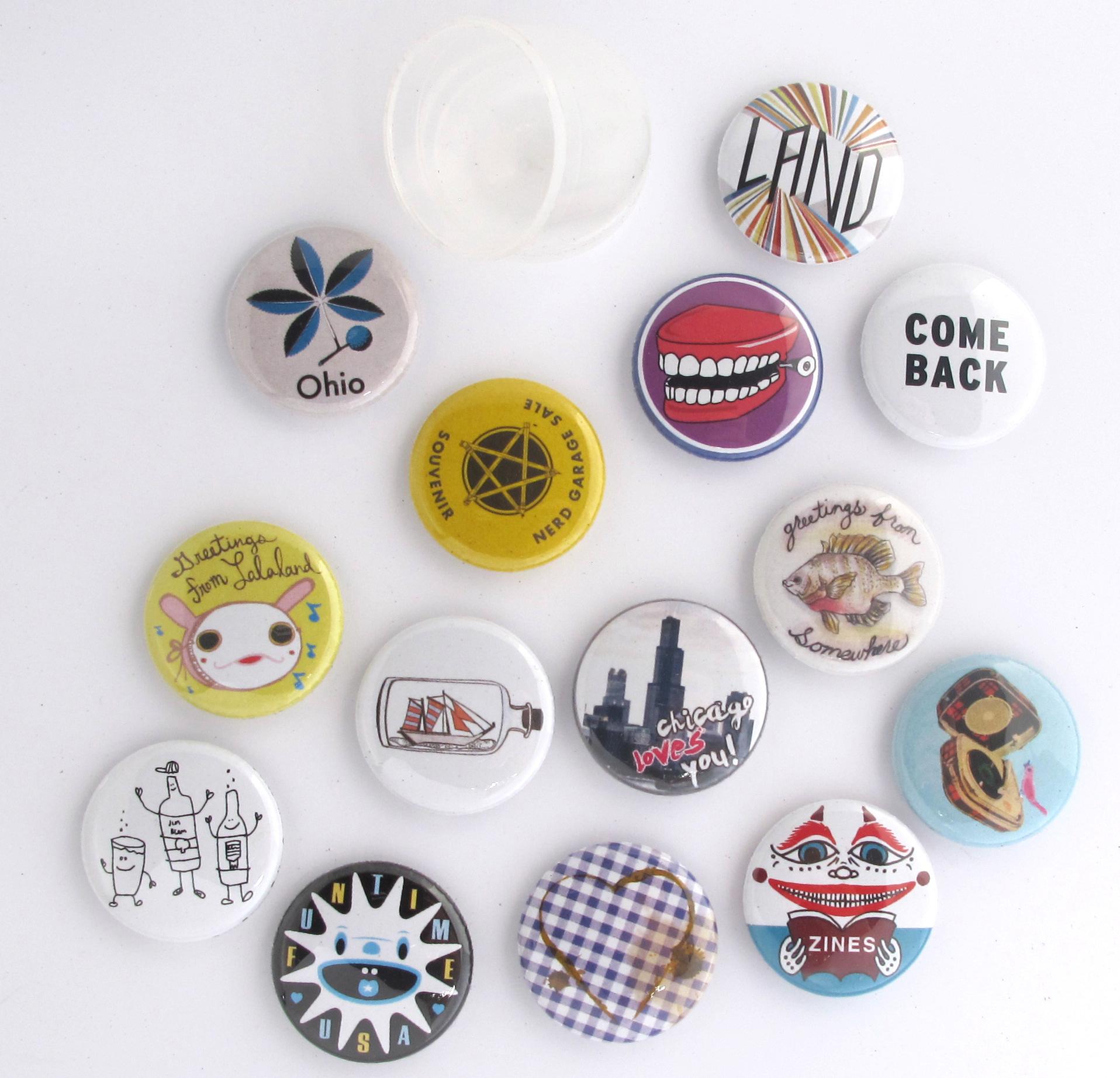 Souvenir Button